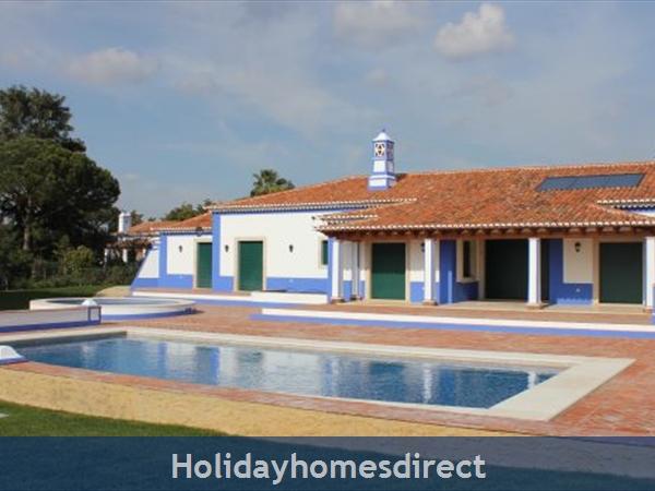 Villa Mirantos 2, Olhos De Agua, Albufeira: Image 3