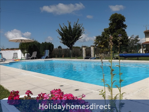 Chataigniers- Bel Air Gites: Heated pool