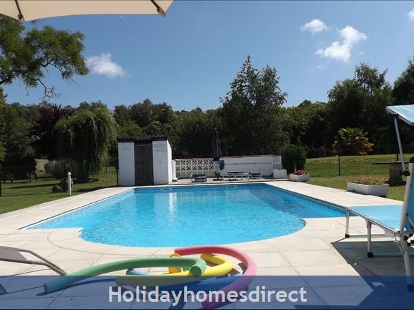 La Chouette- Bel Air Gites: Roman steps pool