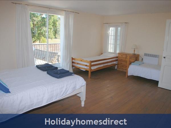 La Chouette- Bel Air Gites: family bedroom