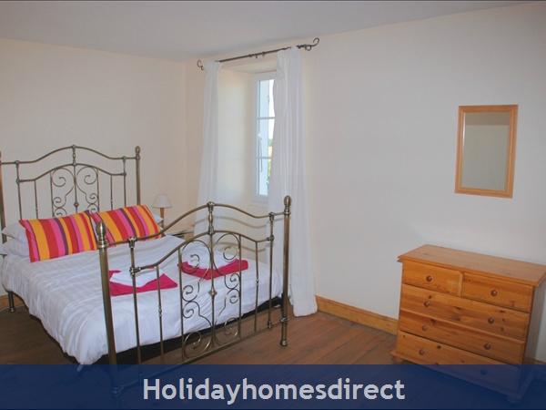 La Chouette- Bel Air Gites: Master bedroom