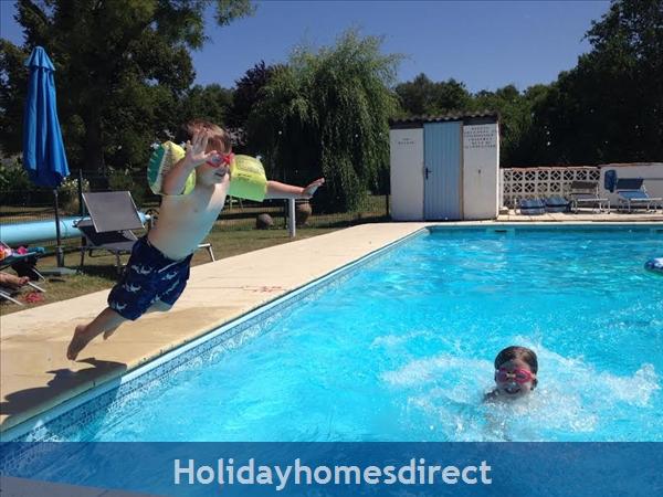 La Chouette- Bel Air Gites: heated pool