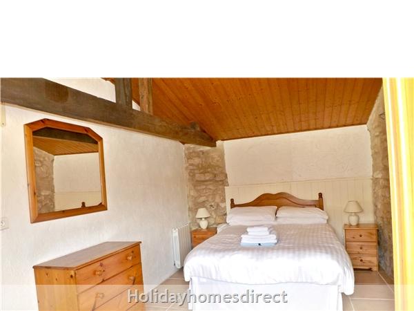 Les Chenes 2 - Bel Air Gites: Master bedroom
