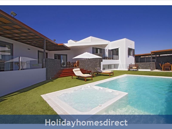 VILLA CHARLOTA WITH PRIVATE POOL, PUERTO CALERO, LANZAROTE