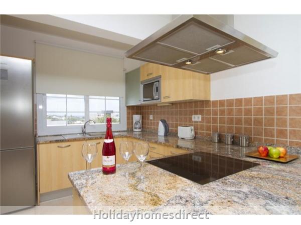 Villa Acentejo With Private Pool, Puerto Calero, Lanzarote: Kitchen