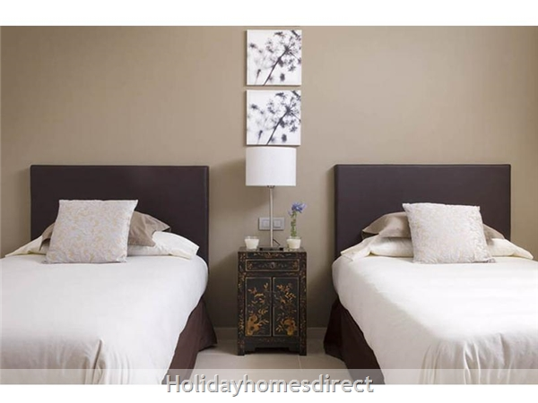 Villa Leyna single bed bedroom in Lanzarote