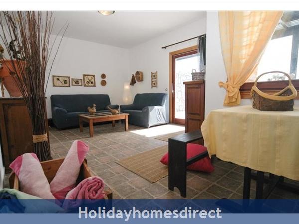 Villa Leona indoor sitting room in Lanzarote