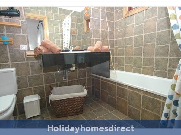 Villa Leona spare bathroom in Lanzarote