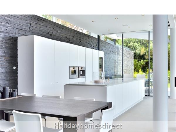 Villa Bond indoor kitchen area with a tabletop