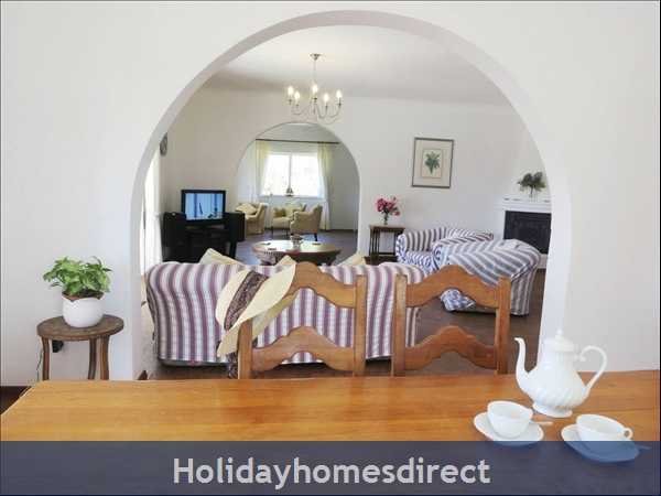 Villa Monte Palmeiras, Alvor, Western Algarve: Very large feature open plan living area
