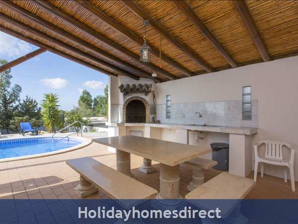 Villa Parasio, Albufeira With Private Pool: Image 4