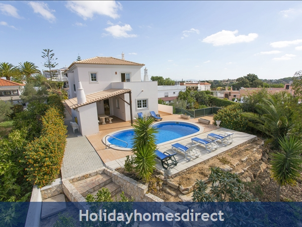 Villa Parasio, Albufeira with private pool