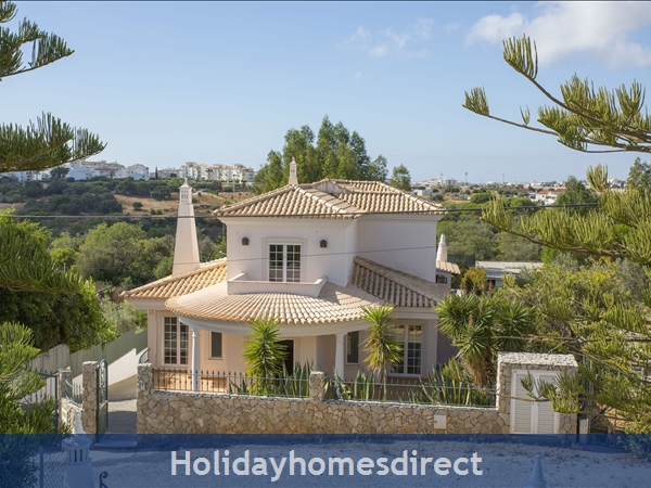 Villa Parasio, Albufeira With Private Pool: Image 3