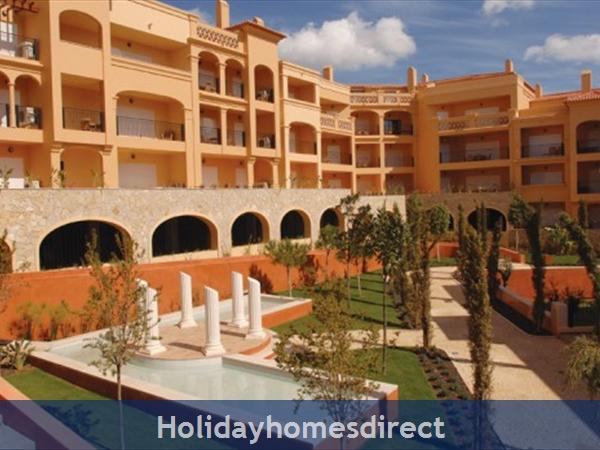 Baia Da Luz Resort, 1/2 Bedroom Apartments, Praia Da Luz: Image 4