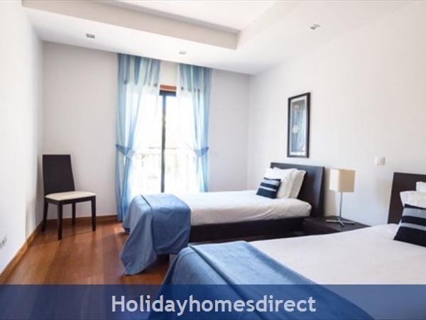 Baia Da Luz Resort, 1/2 Bedroom Apartments, Praia Da Luz: Image 8