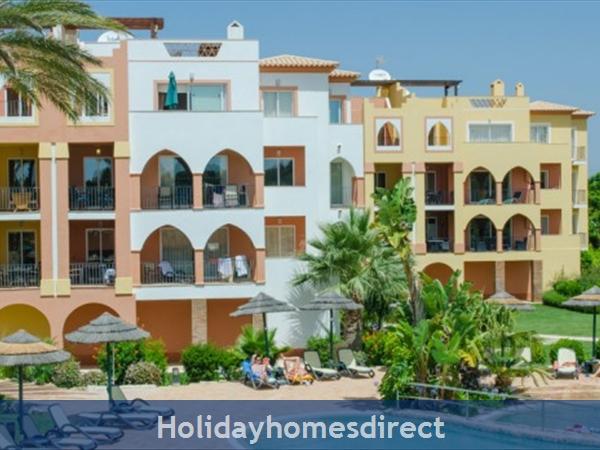 Jardim Da Meia Praia Resort Outdoor sunbed area