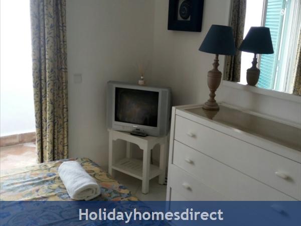 G20b, 2 Bedroom Apartment With Air Con, Prainha Village. Sleeps 5 People.: Image 6