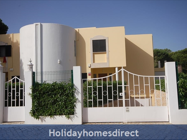 Villa Biarritz Vilamoura 4 Bedroom With Private Pool: Entrance