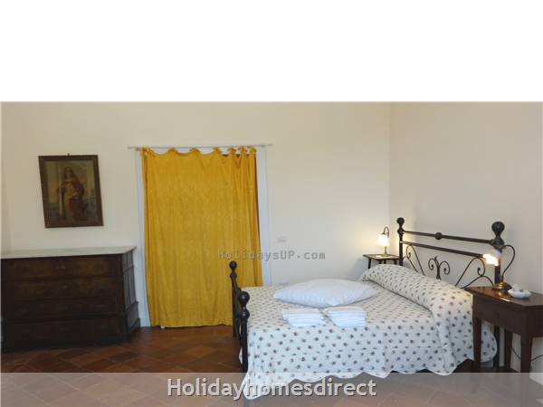 Villa Dimora Emilia - Historic '700  Apartments In Amalfi Coast: Double bedroom with air conditioning/heating