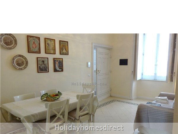 Villa Dimora Emilia - Historic '700  Apartments In Amalfi Coast: Entrance apartment one at villa dimora emilia