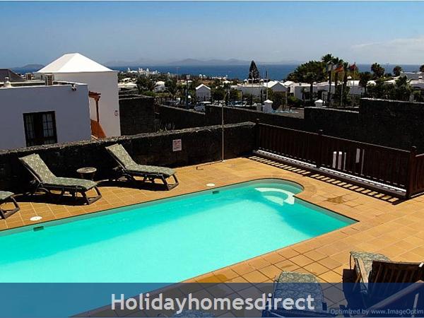 Villa Concha (261708) With Private Pool, Playa Blanca - Sleeps 10: Image 2