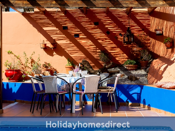 Casa Alegria Lovely House For 10 People With Private Kids Swimming Pool: pergola for al fresco dinning BBQ area
