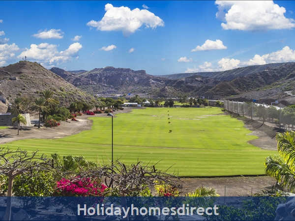 Casa Holmston Anfi Tauro. Great Design, Views, Large Kitchen & Communal Pool.: Lovely view over golf course