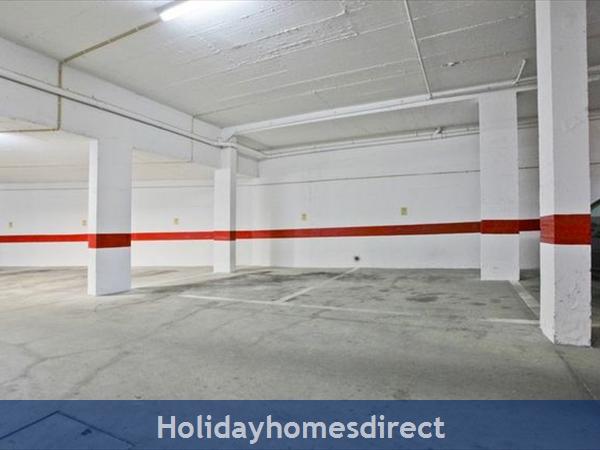 Apartment Vila Arade, Top Floor, Sleeps 4, Sea View: private underground parking
