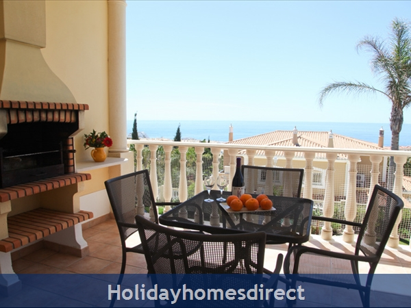 Casa G. With Sea Views, Private Pool And Gated Community.: Al fresco dining with beautiful Sea Views
