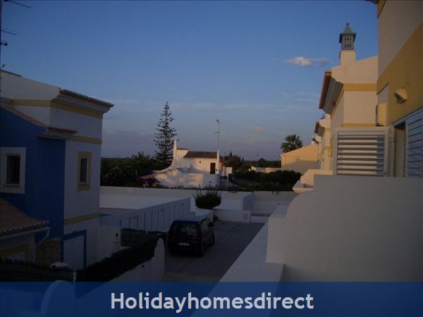 Lote G, Condominio Europa: View front balcony to pool area