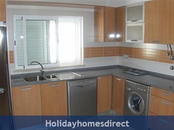 Lote G, Condominio Europa: Kitchen