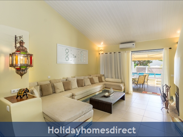 Casa Medina, Vilamoura. Stunning 2 Bedroom Townhouse With Private Pool: Image 6