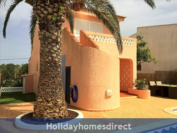 Quinta Bela Vista Casa 28. Praia Da Luz. Detached Villa With Three Bedrooms And Private Pool.: Pool Area, Palm Tree and steps up to the veranda
