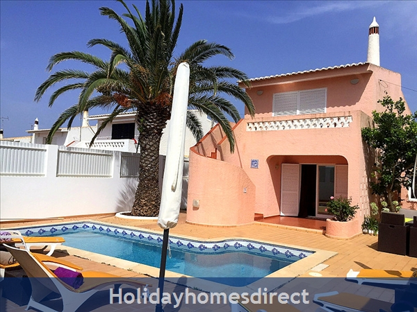 Quinta Bela Vista Casa 28. Praia da Luz. Detached villa with three bedrooms and private pool.