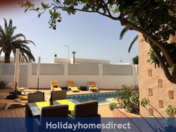 Quinta Bela Vista Casa 28. Praia Da Luz. Detached Villa With Three Bedrooms And Private Pool.: Delightful outside space and private pool