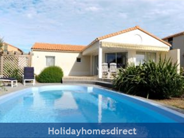 Villa Acacia, 3 bedroom villa with private pool