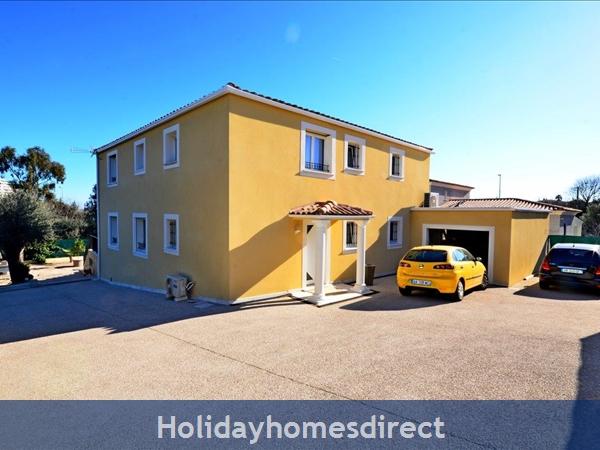Villa Oceane, 4 Bedroom Villa With Private Pool: Villa Oceane - car parking