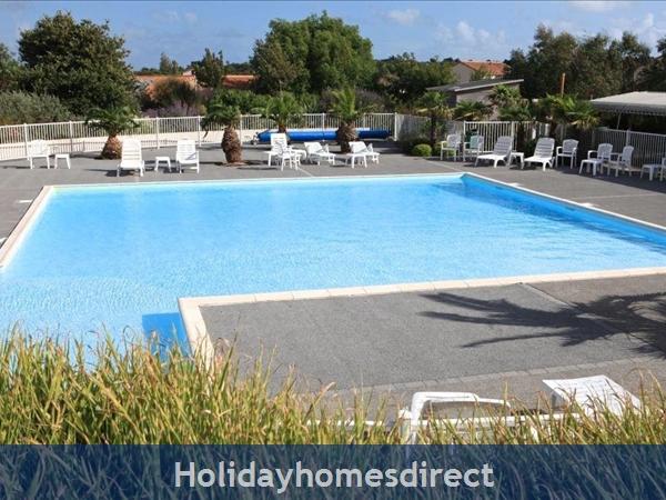 Villa Sophora 8p: Sophora 4 Bedroom Villa With Private Pool Image 13