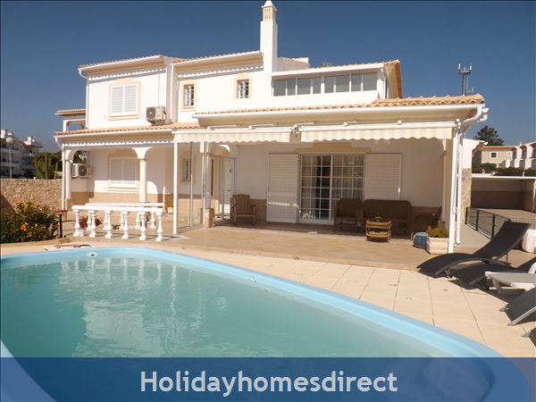 Villa Casanova With 5 Bedrooms, Ac, Wifi, Pool, Beach And Golf Nearby -  Olhos De Agua/albufeira - Walking Distance To Beach And Restaurants, 45412/al, Portugal