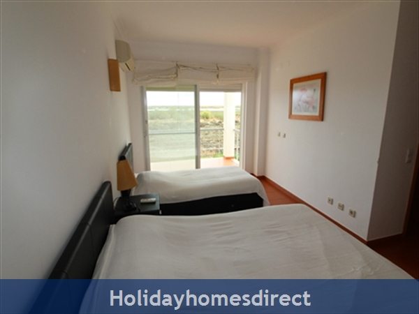 Seaview Townhouse In Golden Clube Resort Cabanas/tavira, Eastern Algarve.: Bedroom1