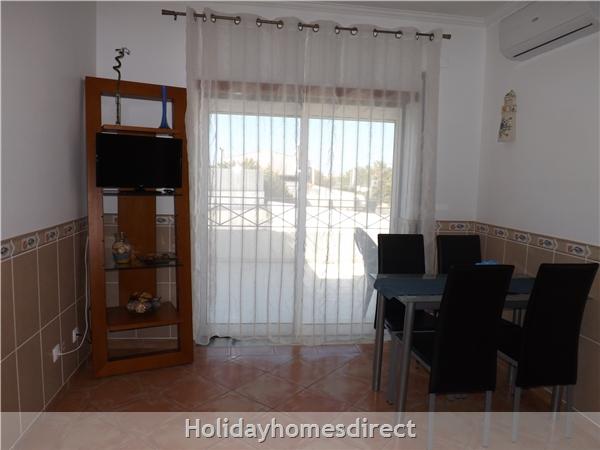 Apartamentos Roja Sol, Olhos De Agua, Albufeira, 1 Bedroom Apartment & Ac, Pool, Walking Distance Beach, Restaurants, Bars, Supermarket (26179/al): Image 5