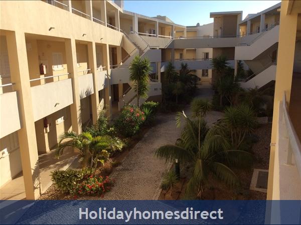 Vila Da Praia - Alvor: Vila da Praia Court yard