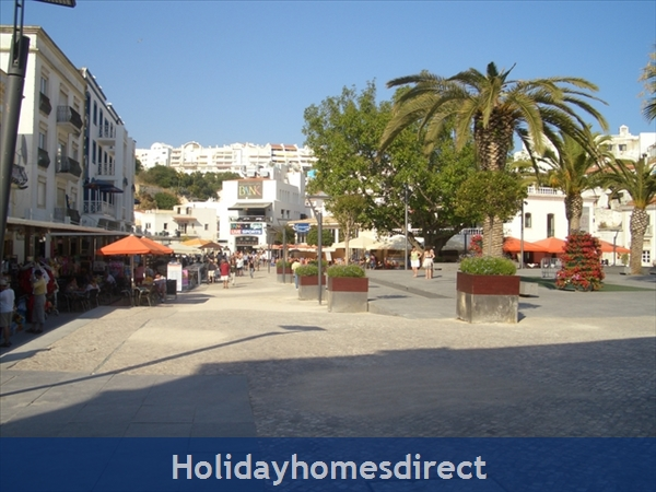 Club Albufiera Resort - Casa Sophie: Main square in The Old Town area