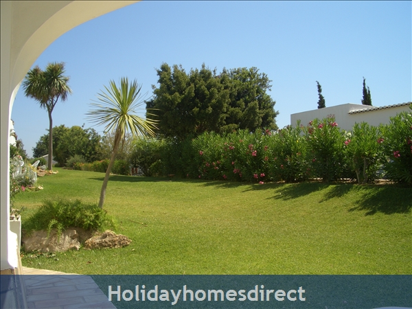 Club Albufiera Resort - Casa Sophie: View from peaceful patio.