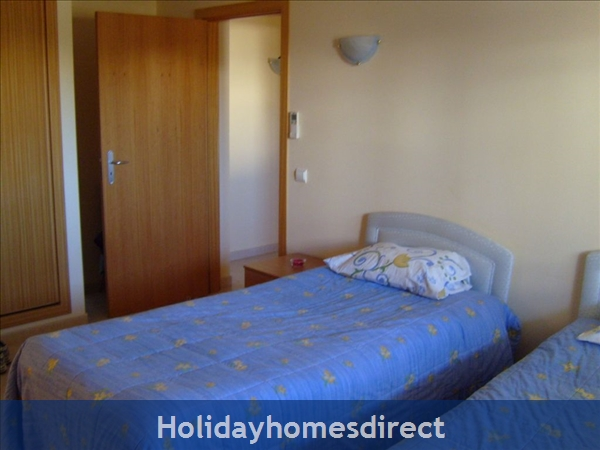 Apartment In Alvor, Western Algarve, Portugal - Luxurious 2 Bedroom Apartment, 5min To Beautiful Beaches Of Alvor: Image 5