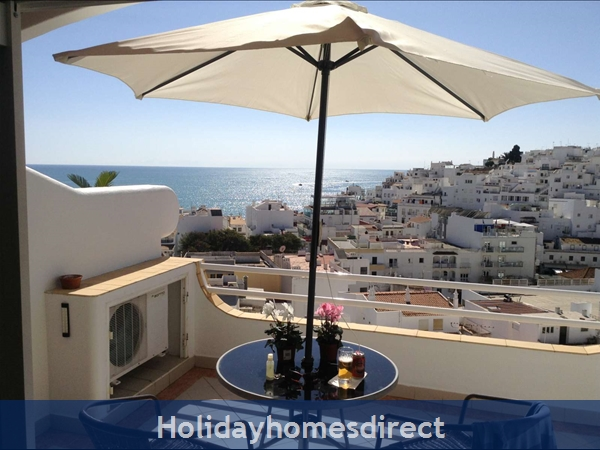 Apartment In Albufeira Duplex Apartment With Sea Views, Pool, Garage, 2 Mins From Beach.: Image 8