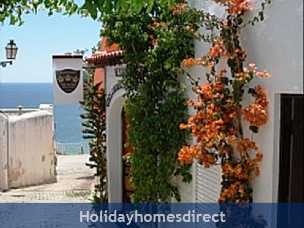 Apartment In Albufeira Duplex Apartment With Sea Views, Pool, Garage, 2 Mins From Beach.: Image 6