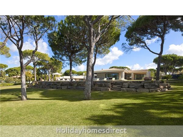 Villa Pinhal Velho 14, Vilamoura. Luxury 5 Bedroom Villa With Pool: Image 4