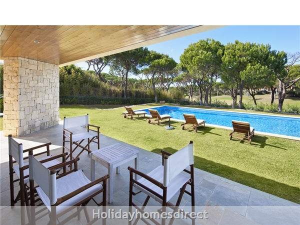 Villa Pinhal Velho 14, Vilamoura. Luxury 5 Bedroom Villa With Pool: Image 3