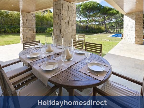 Villa Pinhal Velho 14, Vilamoura. Luxury 5 Bedroom Villa With Pool: Image 6
